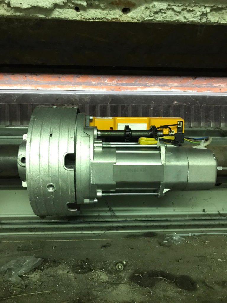 motori con frizione per serrande e saracinesche